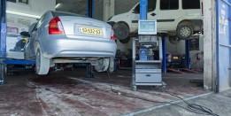 בדיקת הרכב באמצעות מכשיר בדיקת ארבע הגזים